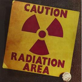Caution Radiation Area - Area